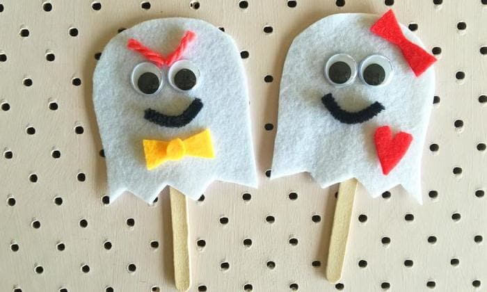 Ghost puppet Craft
