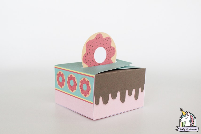 Donut Favor Box Finished Craft