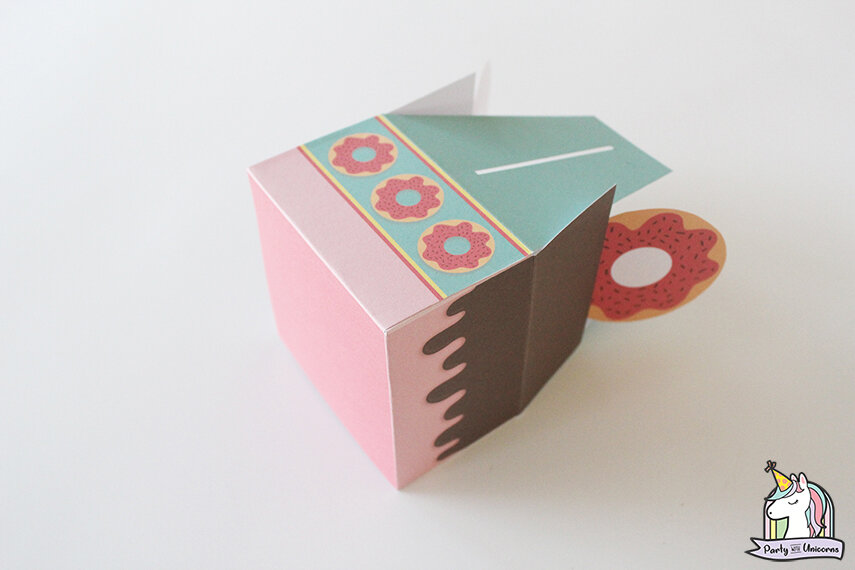 Donut Favor Box Step 7