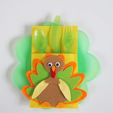DIY Thanksgiving Felt Turkey Cutlery Holder