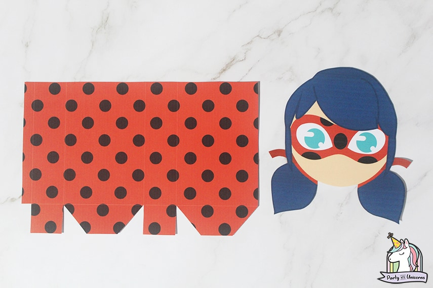 Miraculous Ladybug Favor Bag Step 2 image