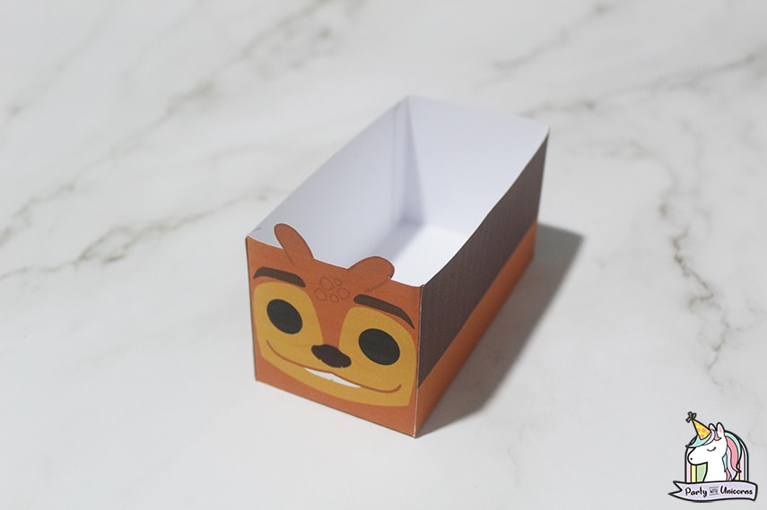 Tuk Tuk Favor Box Step 5 image